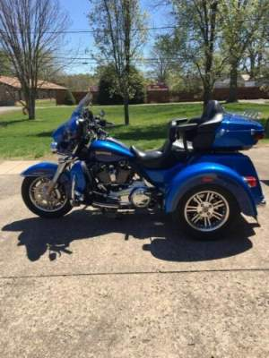 2017 Harley-Davidson Touring Blue for sale craigslist photo