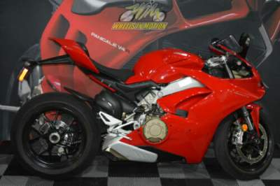 2019 Ducati Panigale V4 Red for sale craigslist photo