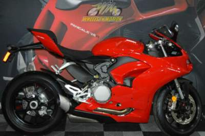 2020 Ducati Panigale V2 Ducati Red Red for sale craigslist photo