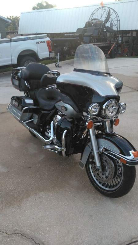 2010 Harley-Davidson Touring Black and Silver used for sale