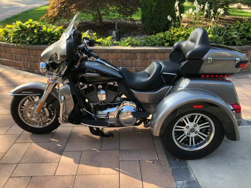 2016 Harley-Davidson Touring Silver used for sale